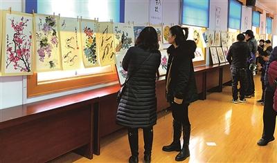 余杭区河南埭社区举办居民国画作品展